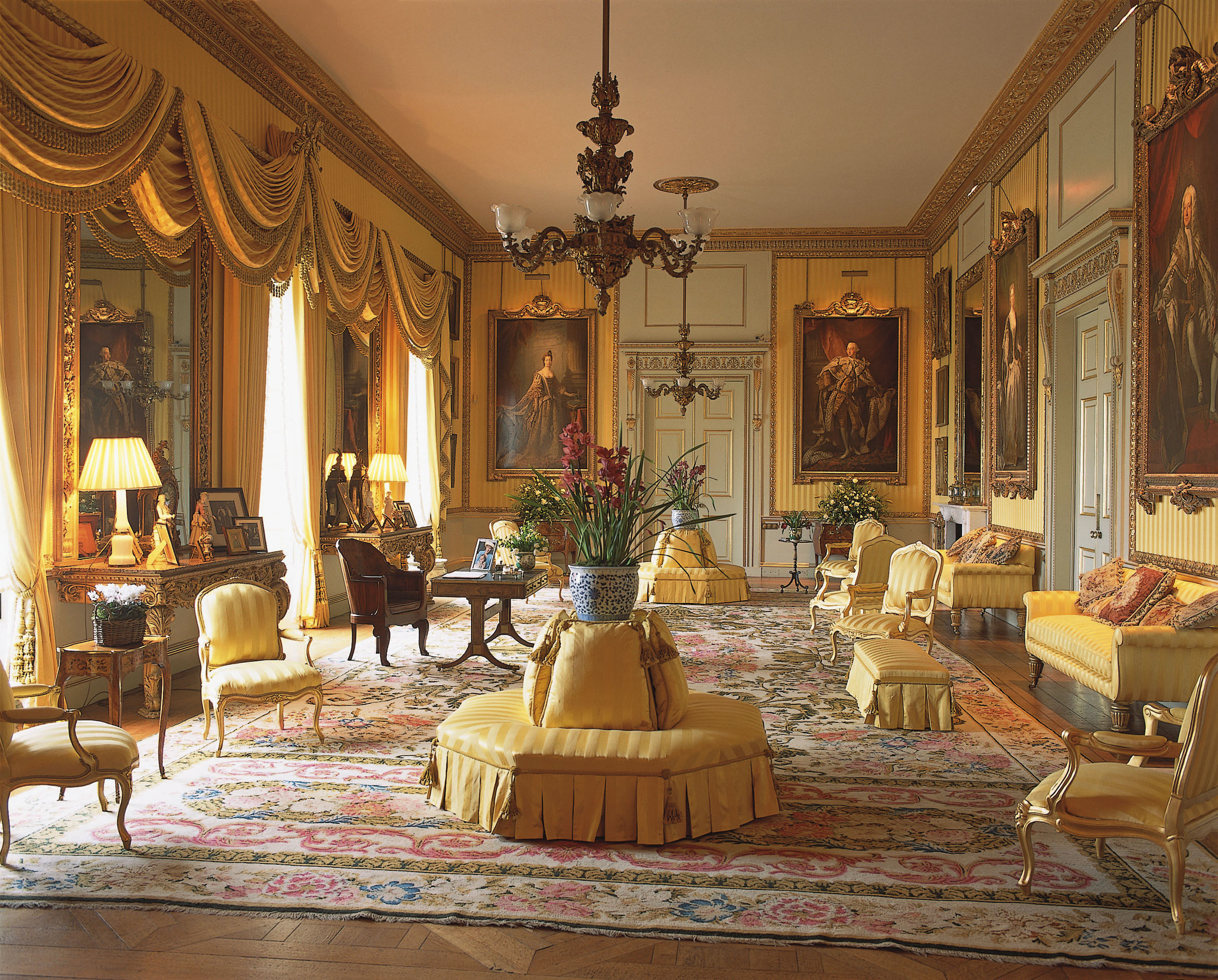 Take a tour of goodwood house magellan pr for Drawing room