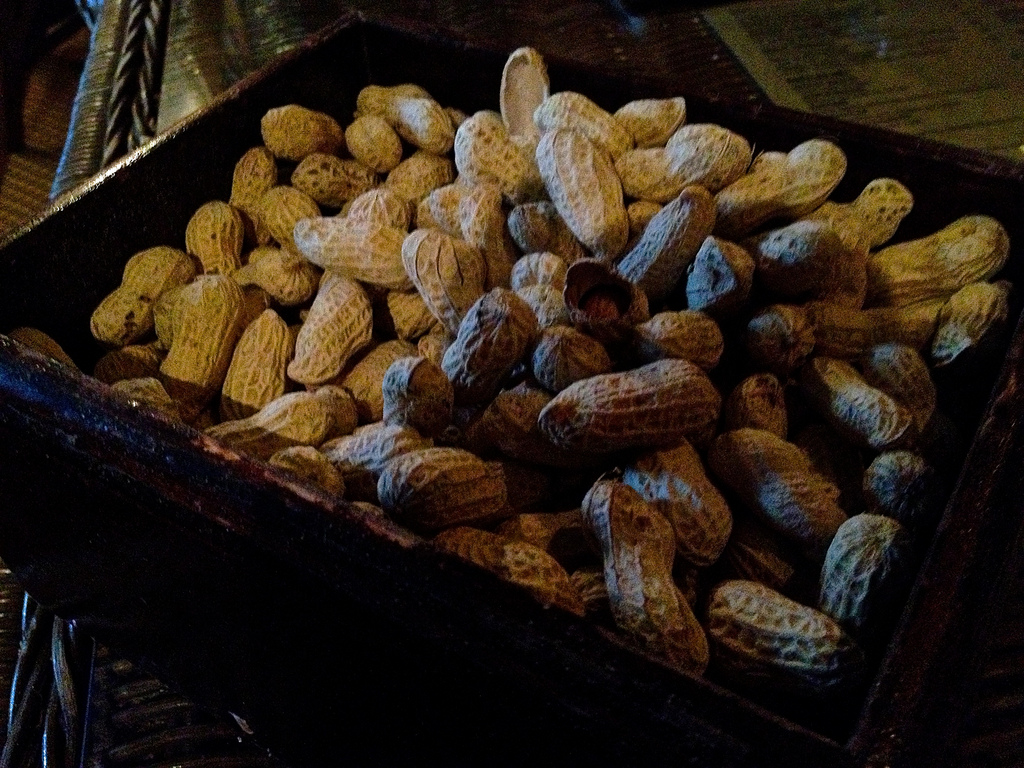 Peanuts, The Long Bar, Raffles Singapore