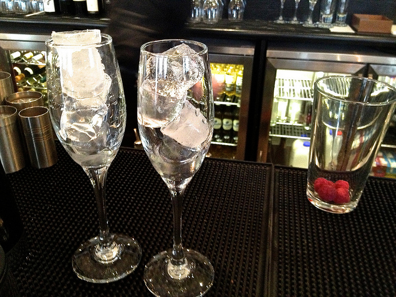 iced champagne flutes large