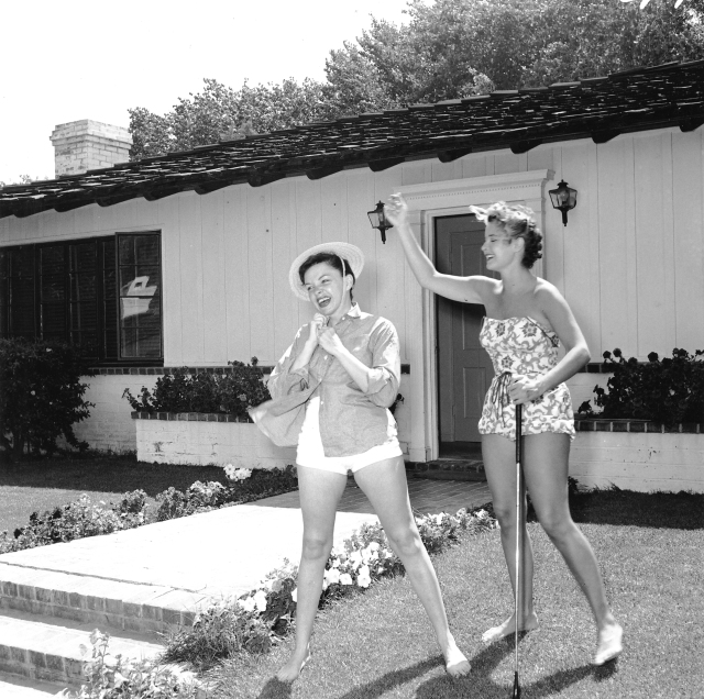 Judy Garland Mona Freeman 1954