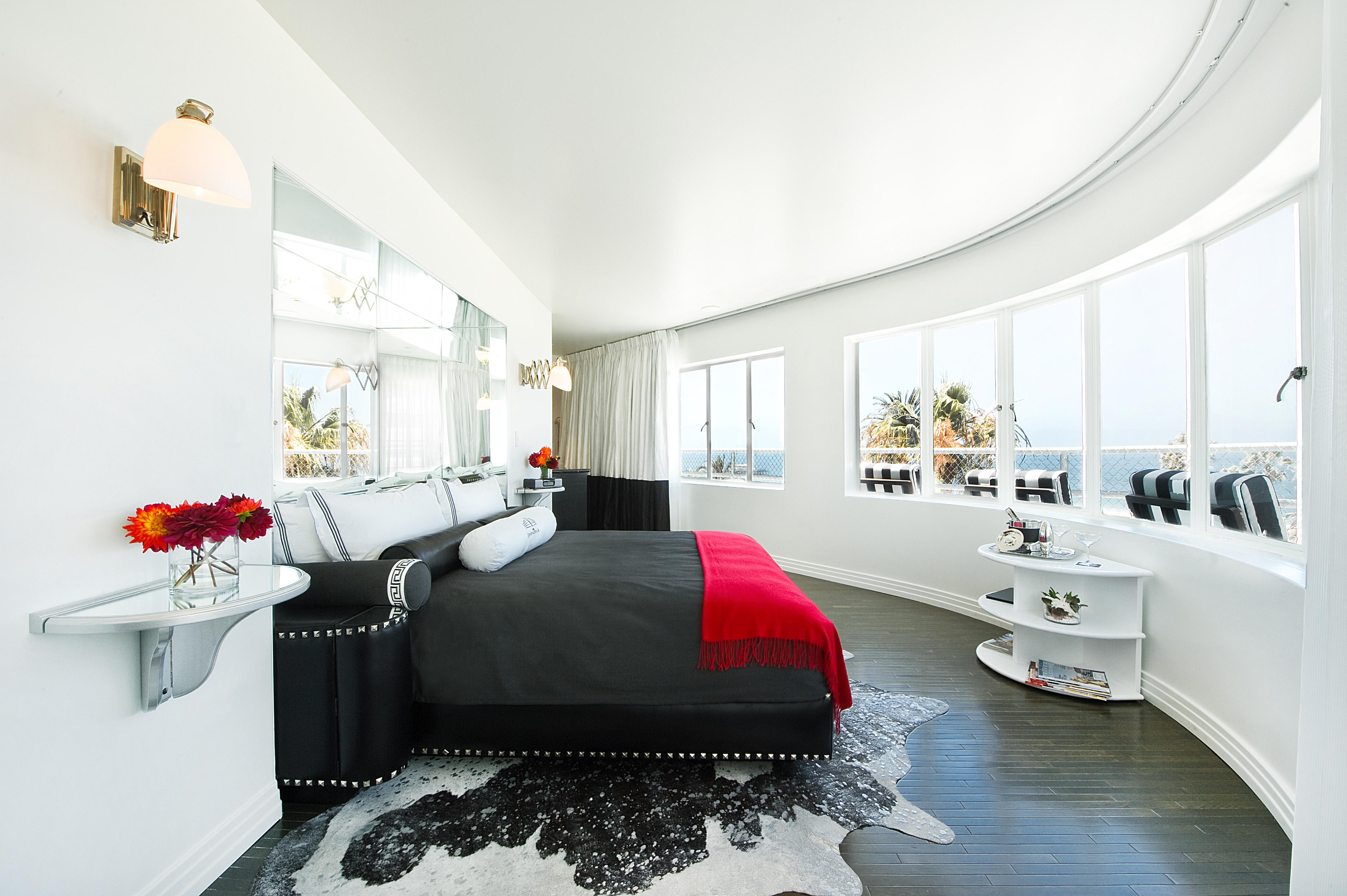 Rock & Roll suite at Shangri-La Santa Monica